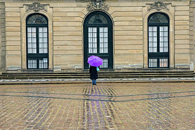 Photograph - Tourist In The Rain by Inge Riis McDonald