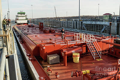 Photograph - Towboat Lat Gonsolin Locking Through by Garry McMichael