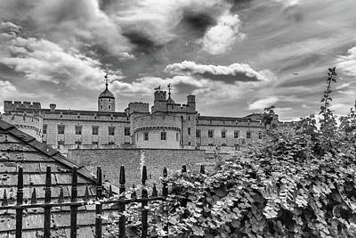 Photograph - Tower Of London by Georgia Fowler