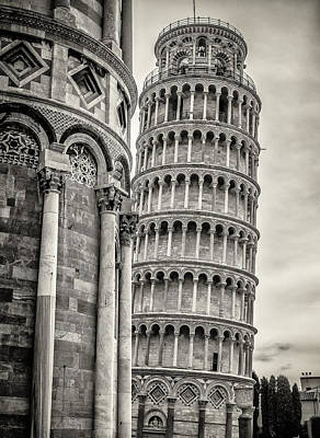 Photograph - Tower Of Pisa by Michael Thomas
