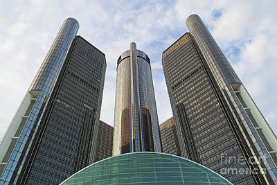 Photograph - Towering Rencen by Ann Horn