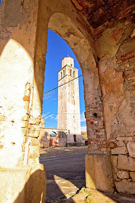 Photograph - Town Of Vizinada Church Through Arches View by Brch Photography