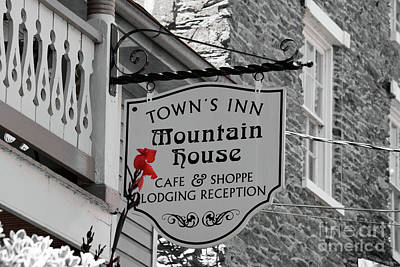 Photograph - Town's Inn Sign by Patti Whitten