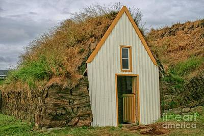 Photograph - Traditional Turf House by Patricia Hofmeester
