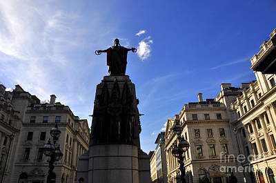 Photograph - Trafalgar Square 3 by Andrew Dinh