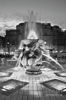 Photograph - Trafalgar Square Fountain In Black And White by Terri Waters