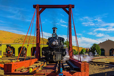 Photograph - Train On Turntable by Garry Gay