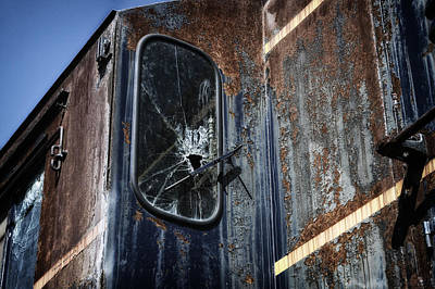Rusted Cars Mixed Media - Train Vandalized by Thomas Woolworth