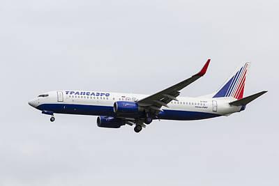 Photograph - Transaero Boeing 737 by David Pyatt
