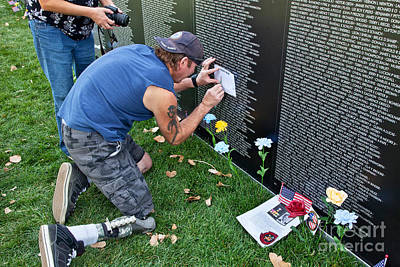 Vietnam Veterans Memorial Wall Photograph - Traveling Vietnam Memorial Wall by Inga Spence