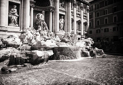 Photograph - Trevi Fountain by Stewart Scott