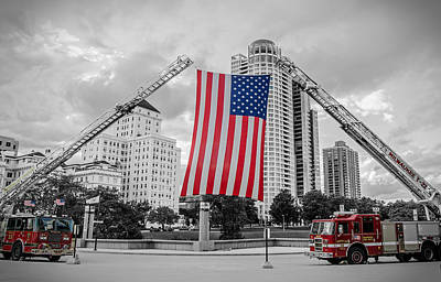 Photograph - Tribute To The Fallen by Susan McMenamin