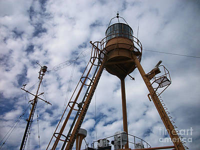 Photograph - Tripod Lighthouse, Lightship Nantucket Wlv 613 by Lita Kelley