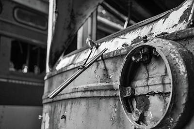 Photograph - Trolley 1 by Lindy Grasser