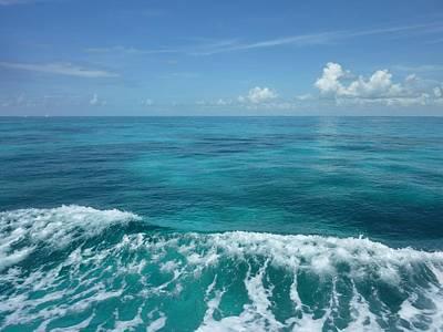 Tropical Waves Art Print