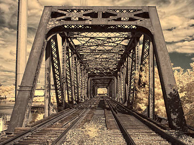 Photograph - Truss Me by Fred Moore