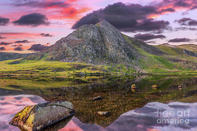 Print featuring the photograph Tryfan Mountain Sunset by Adrian Evans