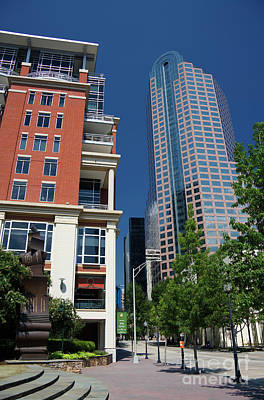 Photograph - Tryon Street From The Green by Jill Lang