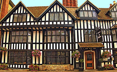 Stratford Photograph - Tudor Hotel - Stratford On Avon. by Richard Denyer
