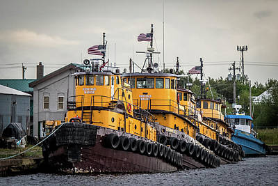 Photograph - Tug Line Up by Paul Freidlund
