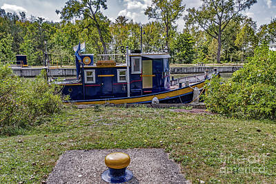 Photograph - Tug Pittsford by William Norton