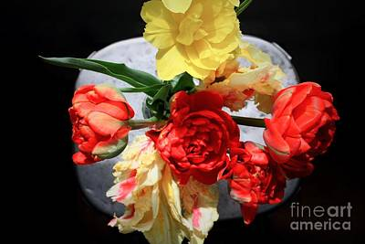 Photograph - Tulip Bouquet by Mary-Lee Sanders