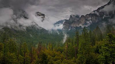 Yosemite National Park Digital Art - Tunnel View by Ralph Vazquez