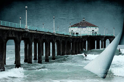 Photograph - Turning The Page Manhattan Beach by Bob Christopher