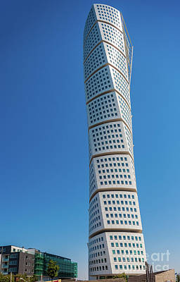 Photograph - Turning Torso by Inge Johnsson