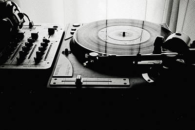 Turntable Photograph - Turntable by So1