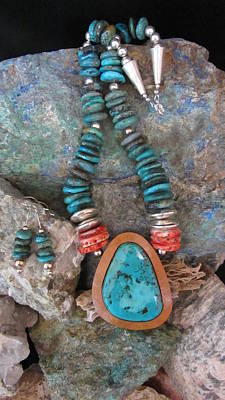 Turquoise And Spiny Oyster Shell #d162 Original by Barbara Prestridge