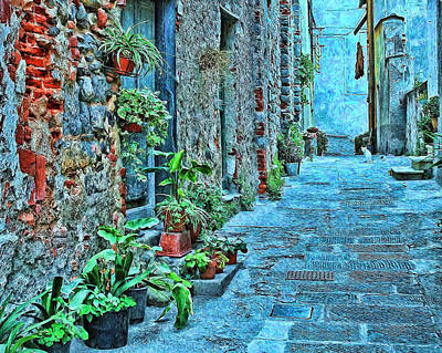 Photograph - Tuscan Alley by Allen Beatty