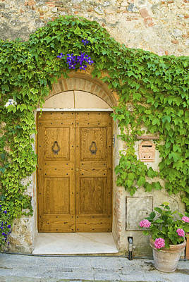 Photograph - Tuscan Door by Gary Lengyel