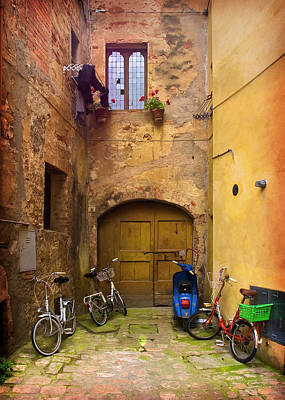 Photograph - Pienza Alleyway by Al Hurley