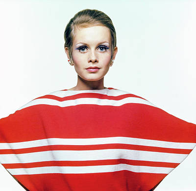 Twiggy In Red Striped Coverup Art Print by Bert Stern