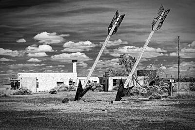 Photograph - Twin Arrows Trading Post by Jim Moss