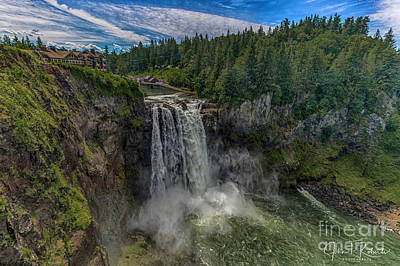Photograph - Twin Peaks Lodge by John Roberts