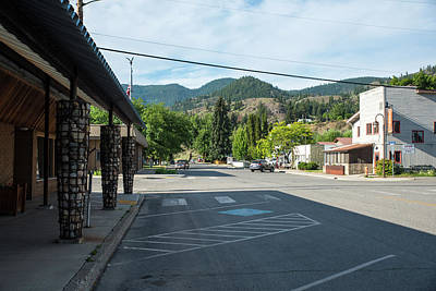 Photograph - Twisp Town Hall And Italian Food by Tom Cochran