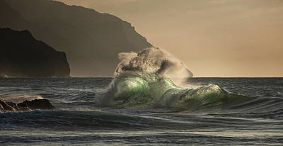 Photograph - Twisted Wave by Roger Mullenhour
