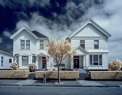 Photograph - Two White Houses by Greg Nyquist