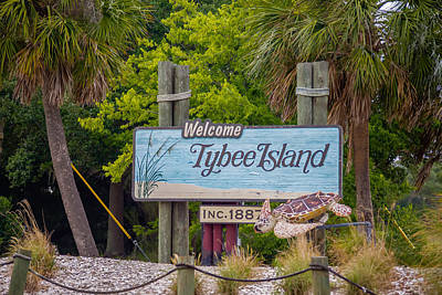 Holiday Mugs 2019 Royalty Free Images - Tybee Island Welcome Greeting Sign  Royalty-Free Image by Alex Grichenko