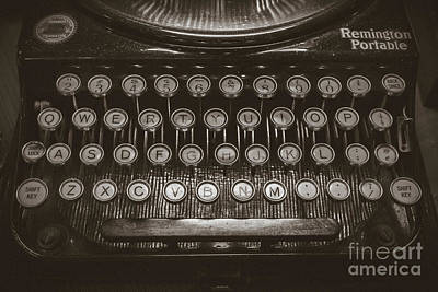 Photograph - Typewriter - Remington Portable by Colleen Kammerer