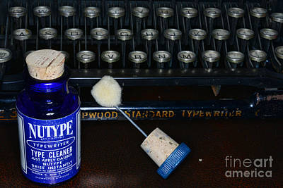 Secretarial Photograph - Typewriter Time To Clean The Keys by Paul Ward