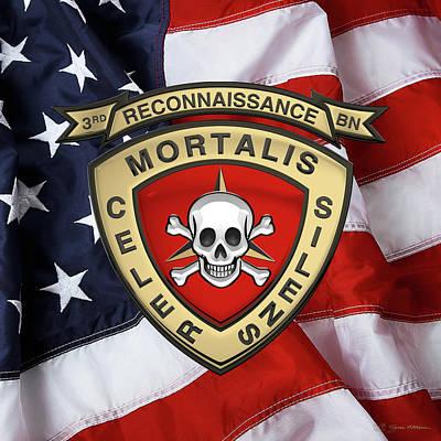 U S M C  3rd Reconnaissance Battalion -  3rd Recon Bn Insignia Over American Flag Original