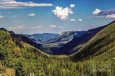 Photograph - U Shaped Valley by Jon Burch Photography