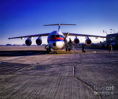 Photograph - Ual Express Ba146 Stol by Tom Jelen