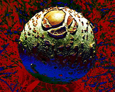 Digital Art - Ugly Orb by Larry Beat