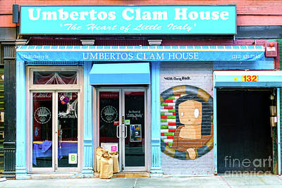 Photograph - Umbertos Clam House New York City by John Rizzuto