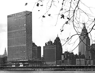 Secretariat Photograph - Un Building Under Construction by Underwood & Underwood