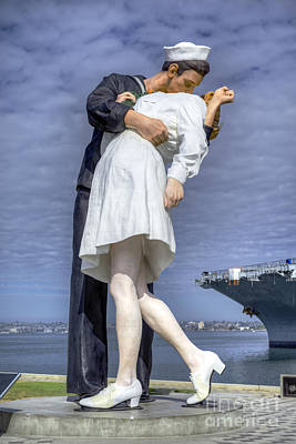 Photograph - Unconditional Surrender Sculpture Vertical by David Zanzinger